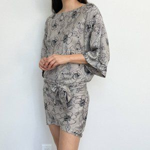 Sigal A Los Angeles Floral  Kimono Sleeve Silk